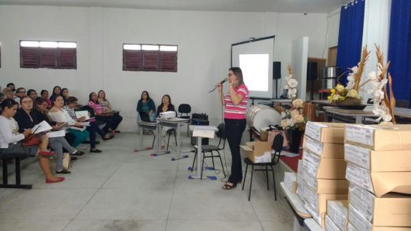 SECRETARIA MUNICIPAL DE EDUCAÇÃO REALIZA FORMAÇÃO DO PROGRAMA SOMA EM...